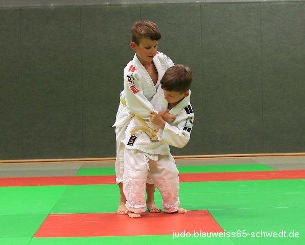 Judokas-Schwedt-Guertelpruefung (13)