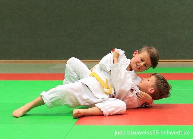 Judokas-Schwedt-Guertelpruefung (17)